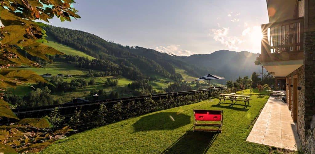 Luxe lodges in Mühlbach am Hochkönig waar we overnachten tijdens sportieve vakantie in Oostenrijk