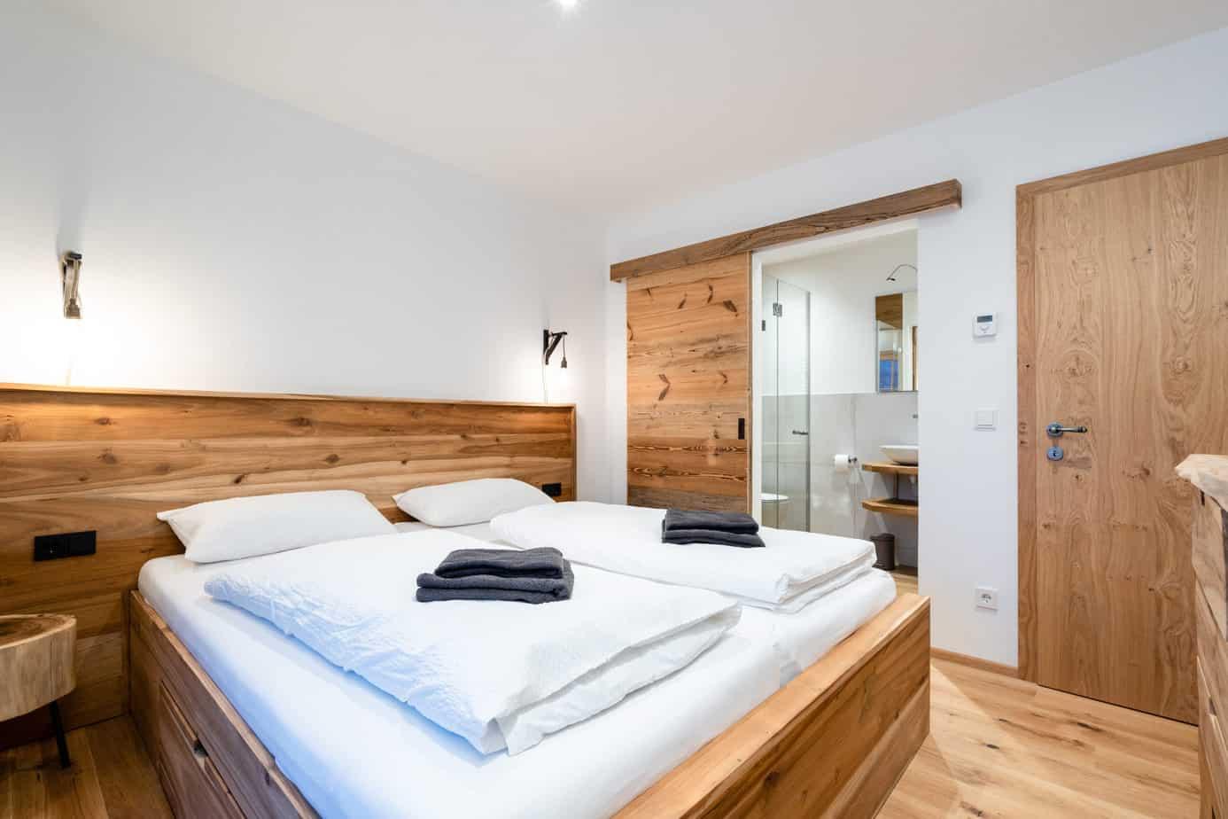 Slaapkamers in lodge in Mühlbach am Hochkönig, tot rust komen na sportieve week in Oostenrijk